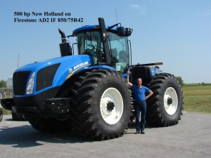 85075R42 Firestone Tractor Tyre on New Holland 8501